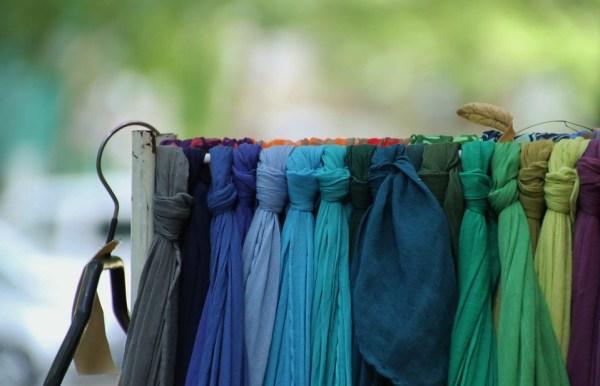 porter un chèche 2 protocole bienséance usages courtoisie politesse manières tradition coach expert spécialiste savoir-vivre galanterie foulard chèche étole