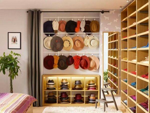 cadeau de baptême 3 coach bonnes manières étiquette savoir-vivre french hats chapeau mariage élégance capeline lady femme chic