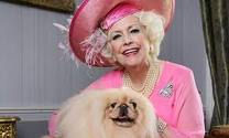 art du chic selon Lady Cartland