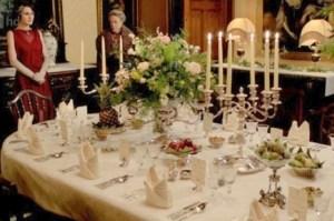 downton abbey dîner de cérémonie comment mettre la table dîners aristocratiques diamant belle table 19e siècle savoir-vivre protocole étiquette dining room comment servir à table service des plats