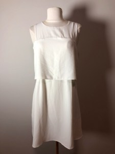 robe blanche 24 petite robe blanche 1 élégance décence féminité aux genoux midi coupe femme lady ladies comment bien s'habiller chic kate middleton duchesse classe sophistication