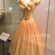 grace kelly robe 5 robes de Grace Kelly style de princesse comment s'habiller comme kaet middleton élégance décence leçon de style