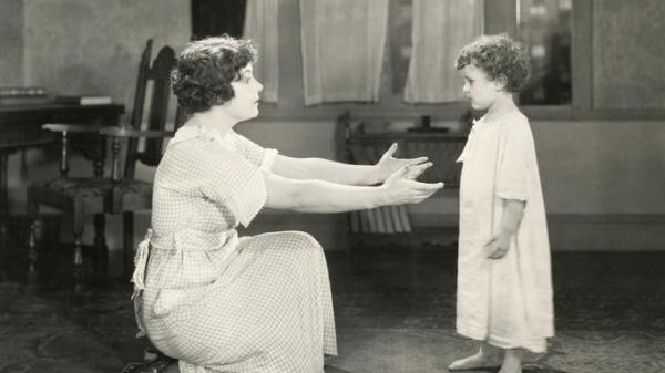 La bonne d'enfant au XIXe siècle : quelles différences avec aujourd'hui ? nany nounou babysitter mary popins