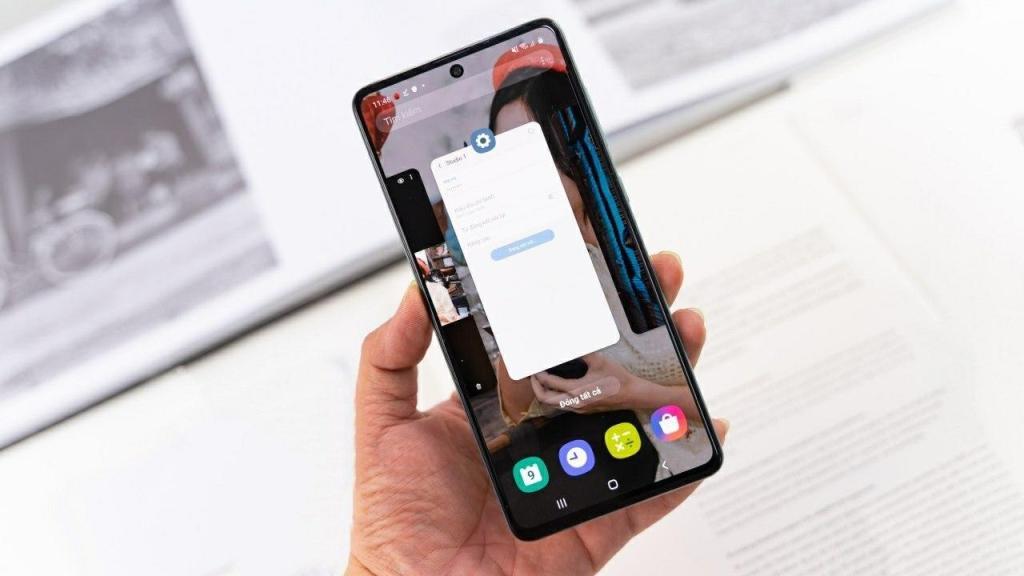 مواصفات هاتف Samsung Galaxy A71 بالإضافة إلى نظام الكاميرا الأربع مع مجموعة الماكرو فإن