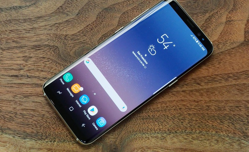Display and performance of Samsung Galaxy S8 and S8 Plus