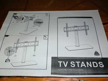 Auna supporto per TV regolabile con ripiano in vetro
