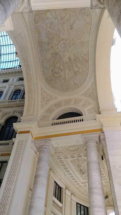 Galleria Umberto I regno degli sciuscià a Napoli 2 Arte e Cultura