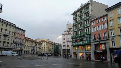 Trieste, 9 siti dall'atmosfera asburgica da raggiungere a piedi 2 caffè