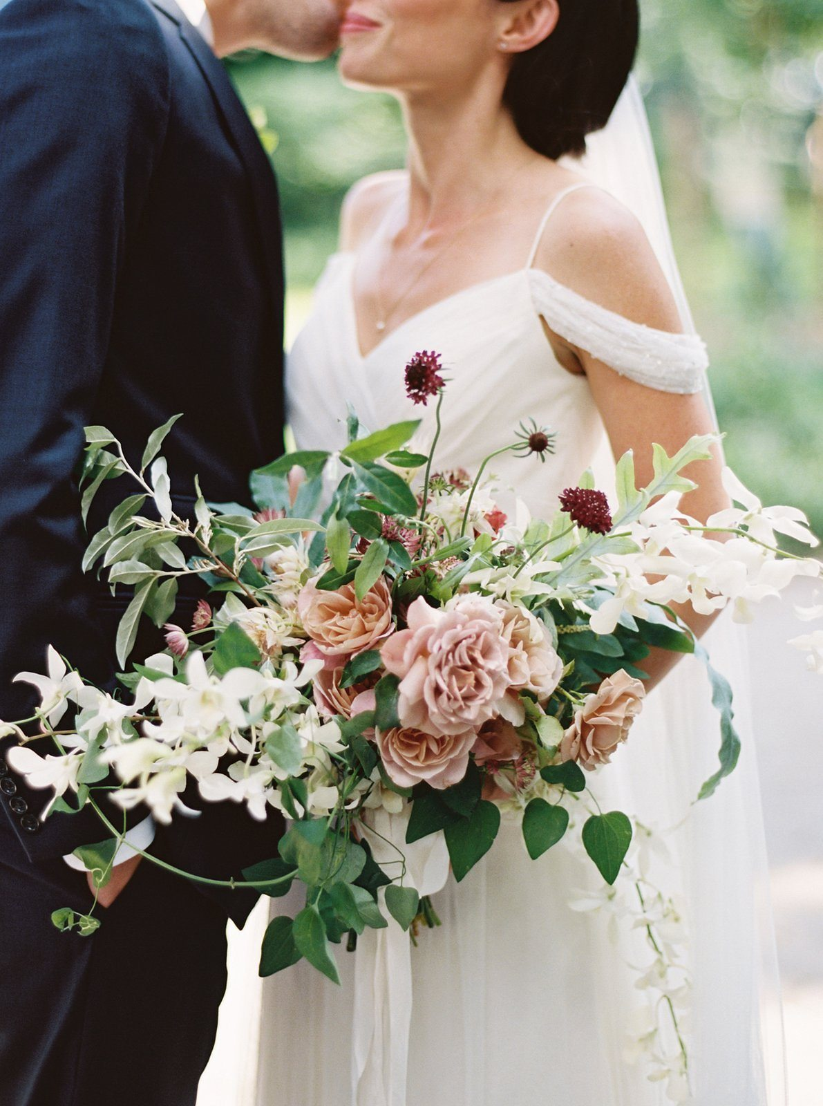 You Might Want These 10 Winter Flowers in Your Bouquet  A Practical Wedding