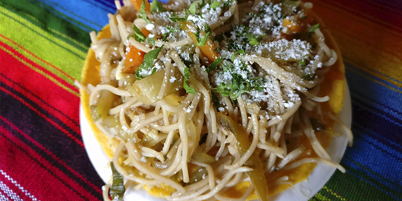 Receta para hacer tostadas de Chow Mein guatemaltecas  Aprende Guatemalacom