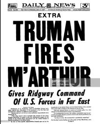 noticia de que Truman echa a McArthur