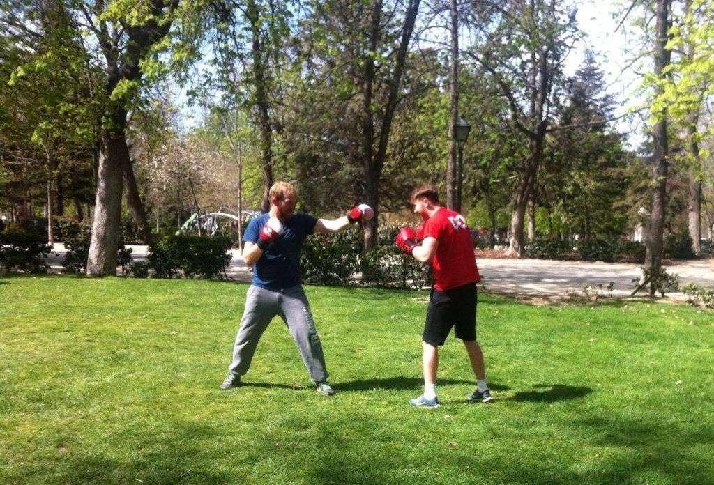 boxeo en parque retiro madrid texto en presente simple