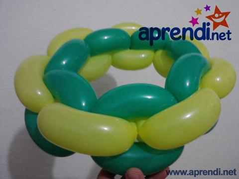 Escultura de balão de corrente de elos