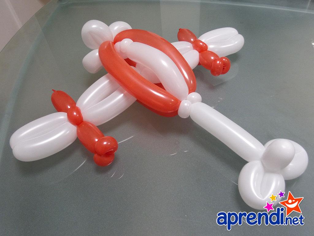 esculturas-de-baloes-aviao-super-tucano-03