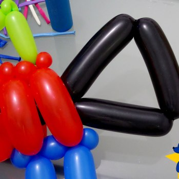 esculturas-de-baloes-m16-rifle-fuzil-04