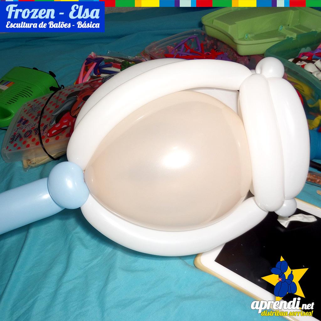 Detalhe da Cabeça usando os balões nº9 bege, os balões brancos dos tipos260 e160.