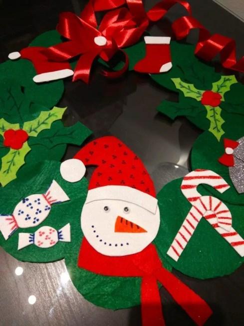 Corona de navidad en fieltro manualidad de navidad para - Manualidad ninos navidad ...