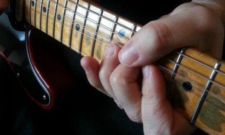 La acción de la guitarra: tocabilidad y tono