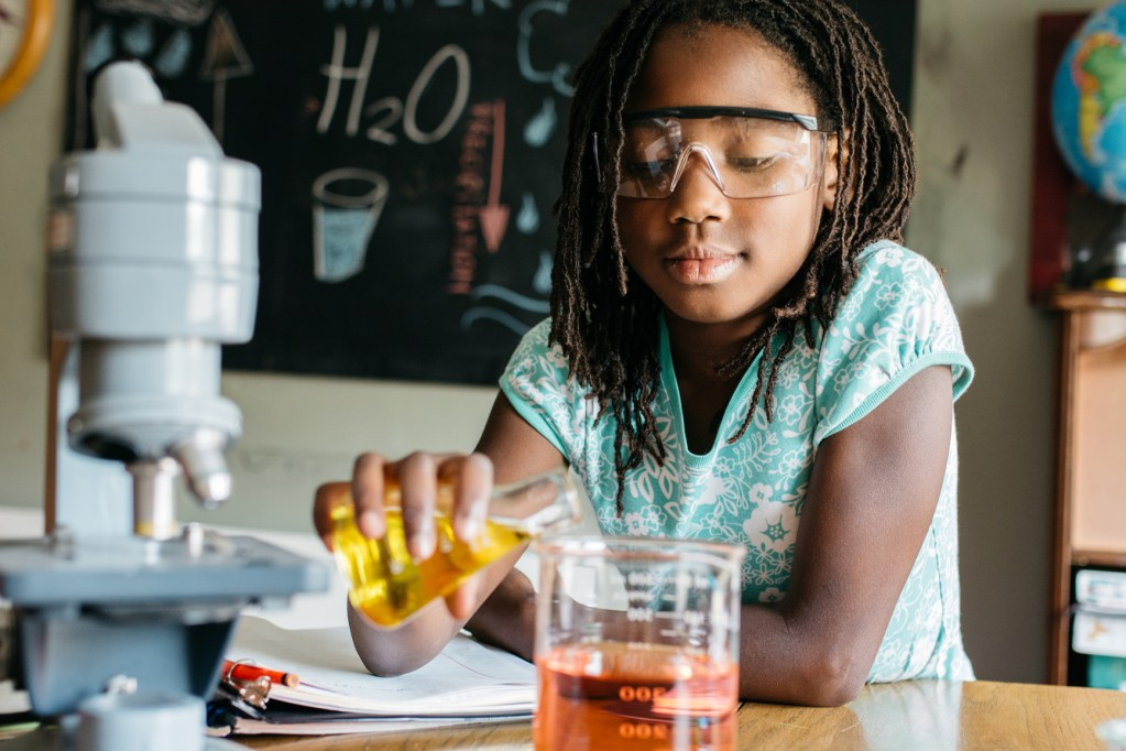 Après Group | Girls in STEM