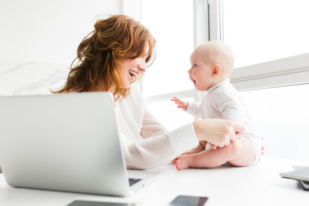 smiling woman and baby on Après, a career resource for moms