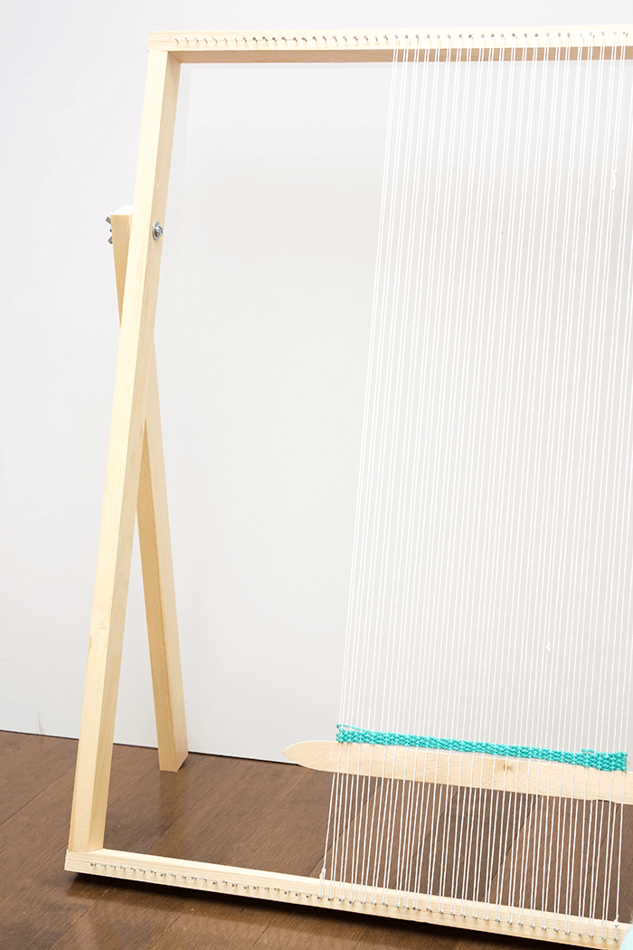 How To Make a Standing Loom With Adjustable Legs - A Pretty Fix