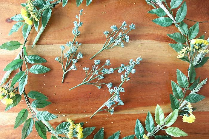 DIY (faux) Wildflower Wreath - clip blue flowers