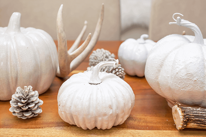 neutral farmhouse feel | dining table decorating | neutral and natural