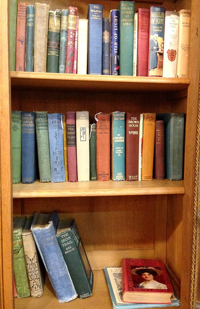 S & B Antiques Gallery - books