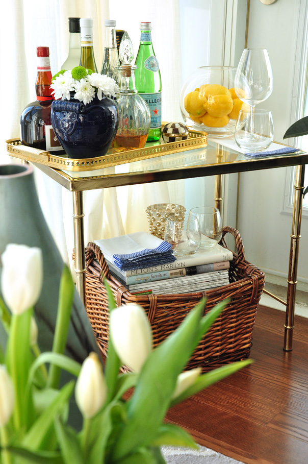 cozy living room tips - books and magazines