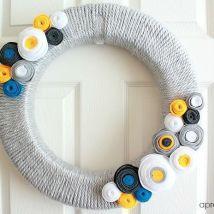 DIY yarn and felt wreath tutorial - aprettyfix.com