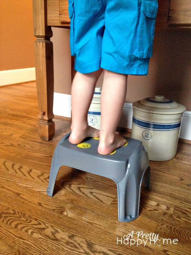 Footprint step stool makeover