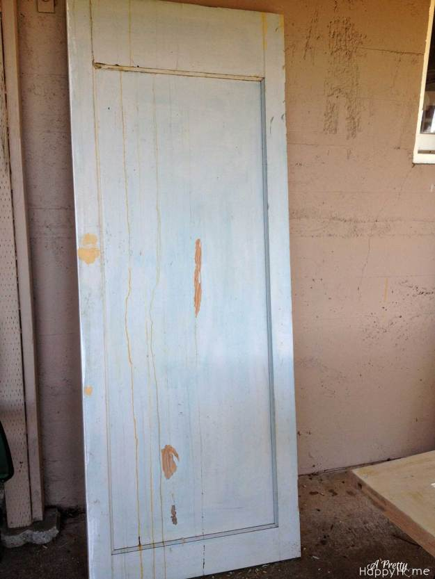 Gross old door