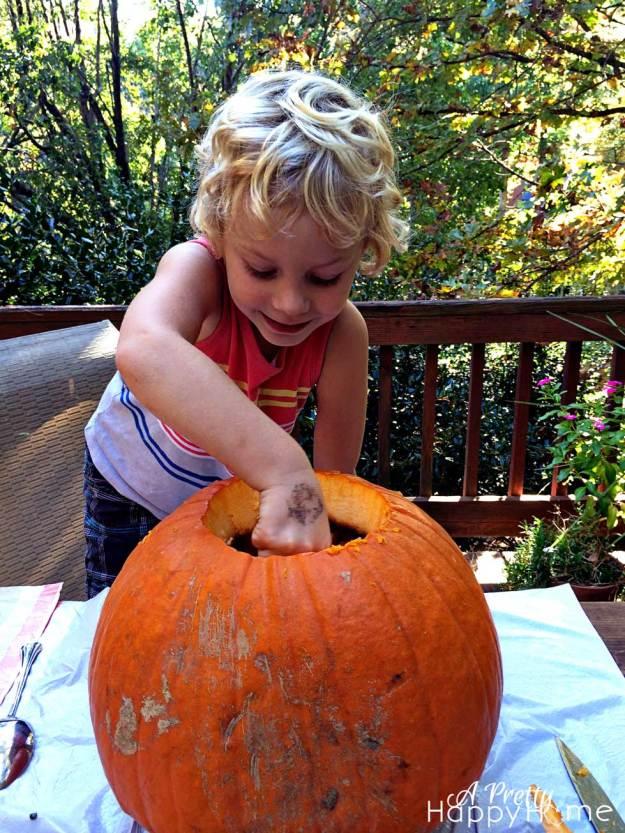 pumpkincarving2014_1