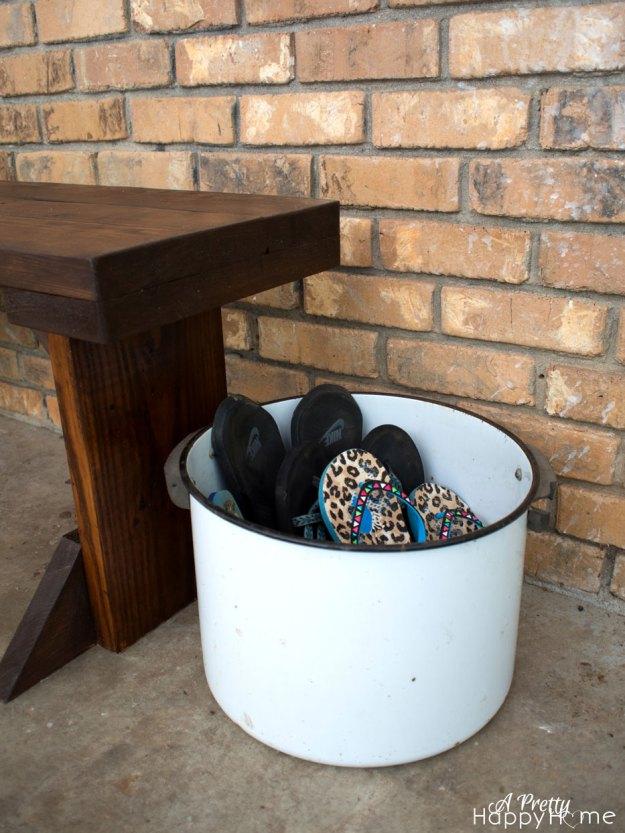 metal-pot-shoe-holder