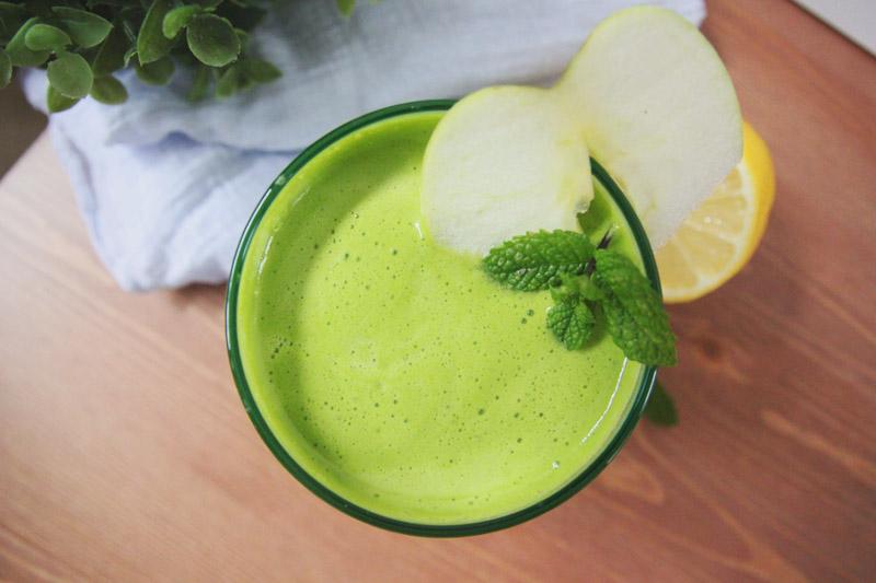 Celery, Cucumber, Apple, Lemon & Mint Juicing Recipe