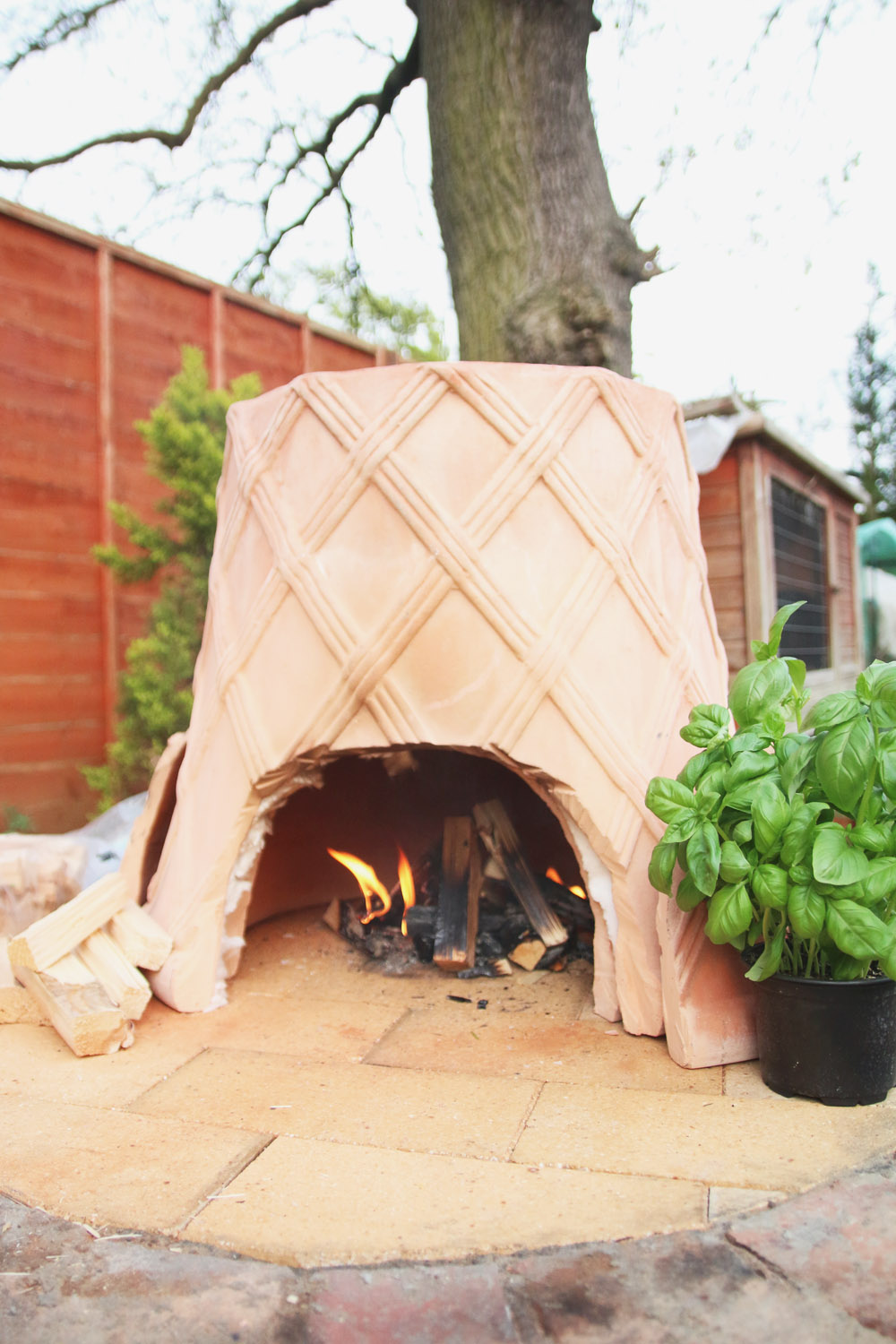 DIY: Plantpot Pizza Oven