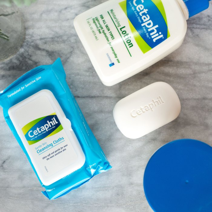 Cleaning your face on the go