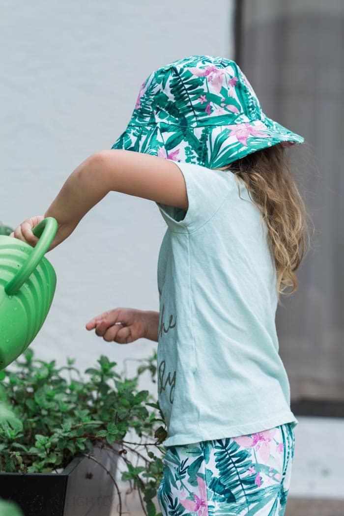 Toddler Gardening (4 of 5)