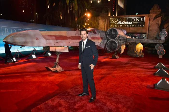 rogue-one-premiere-21-of-27