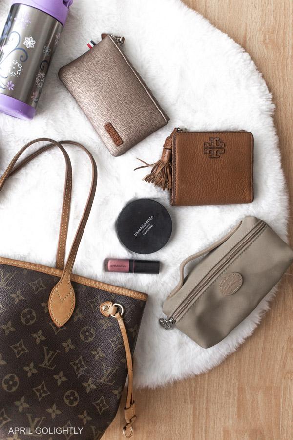 mom purse essentials what
