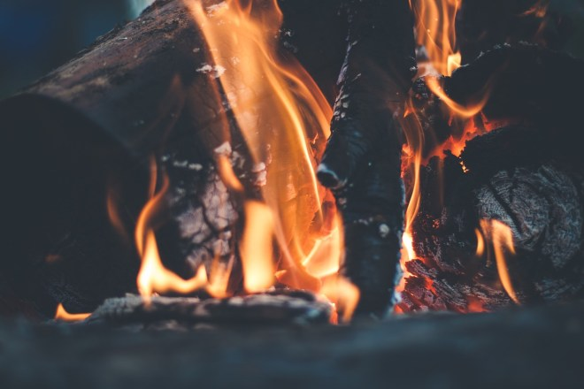 bonfire-691668_1280
