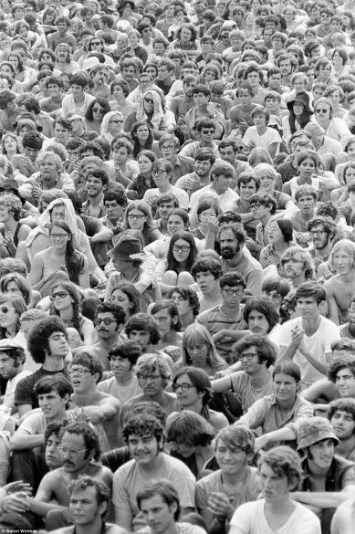 Multitud en Woodstock (Baron Wolman)