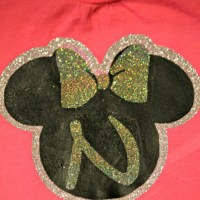DIY Minnie Mouse Shirt {Layering with HTV}