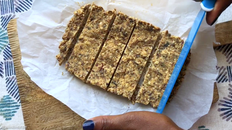 5-Minute Fruit and Nut Oat Bars
