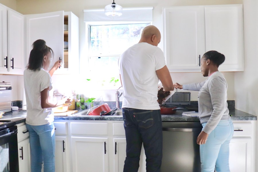 Holiday Kitchen Prep Tips for Hosting Made Easy