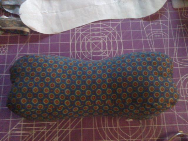 Free Foursided Dog Bone Neck Pillow Pattern  apron strings