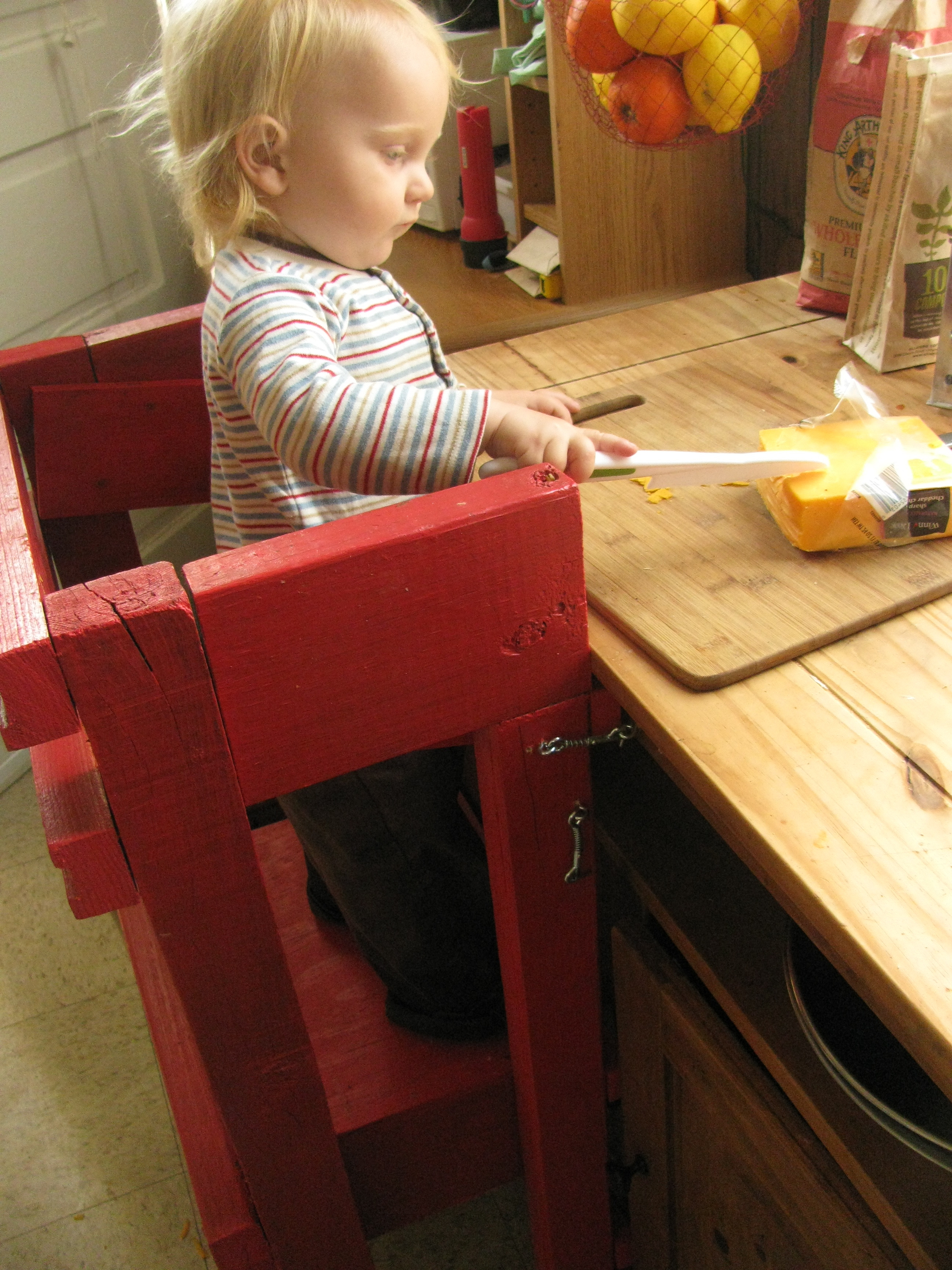 toddler safe stool  Apron Stringz
