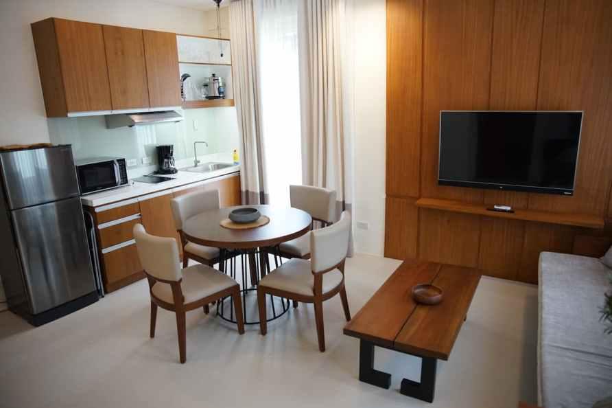 apt-lovers-island-suite-(20)-kitchen-choice-1280x853