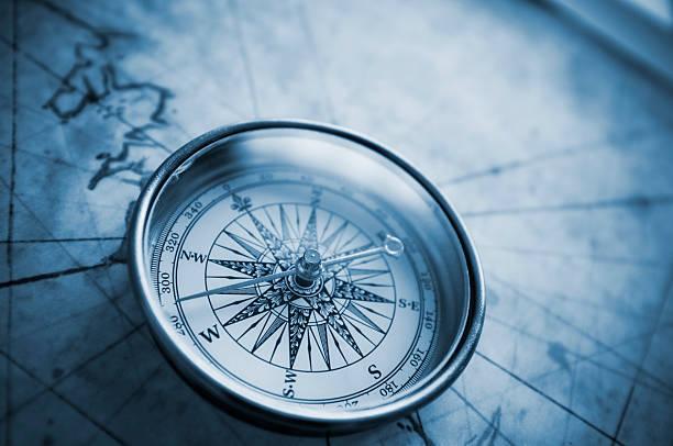Best Compass Apps for iOS  AptGadgetcom