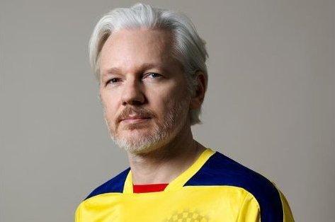 julian_assange_2_embaixada_Foto de Aneurismatt
